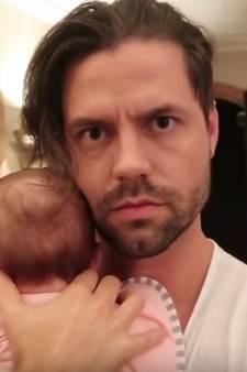 Baby Kiki put Simon Keizer uit