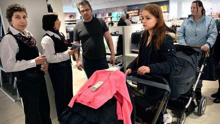 De V&D in Uden. De directie wil vijfduizend werknemers loon laten inleveren. Beeld Marcel van den Bergh