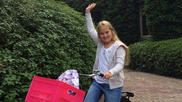 Amalia op weg naar de middelbare school. Beeld Koning Willem Alexander