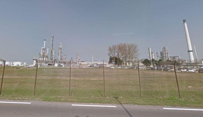De raffinaderij van Gunvor aan de Moezelweg.