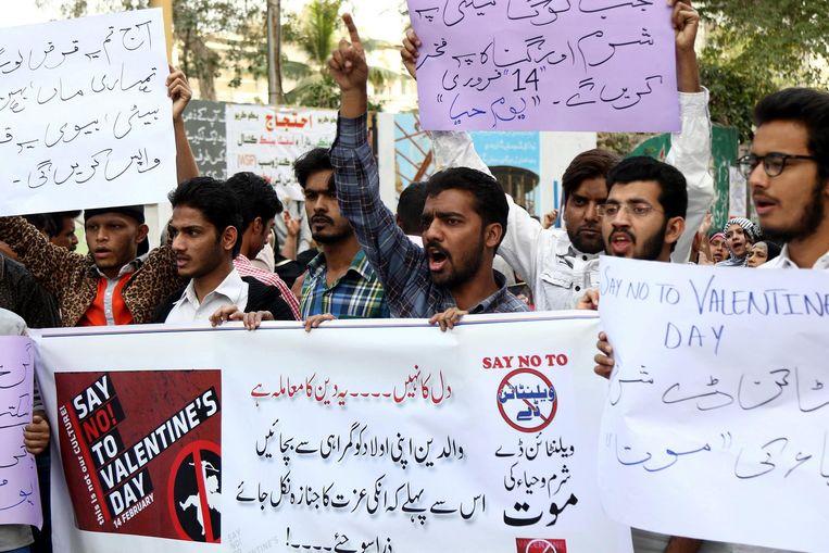 Protest tegen Valentijnsdag Beeld epa