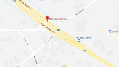Aanrijding tussen twee wagens op N35 in Nazareth: geen gewonden