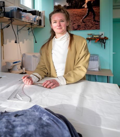 Arnhemse modeontwerper Nadia doneert haar winst aan organisatie die bossen probeert te behouden