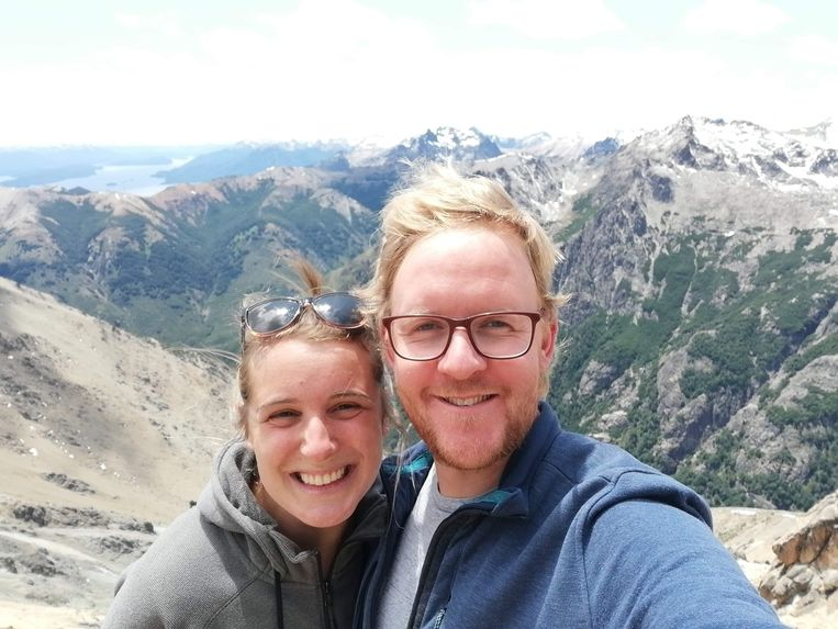 Mechelaar Marijn Sillis (31) en zijn verloofde Tamara Geudens (29) tijdens hun rondreis door Argentinië. Zij kunnen eindelijk naar huis.