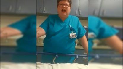 """Dokter gelooft patiënt op spoed niet en laat dat duidelijk merken: """"Bent u dood, meneer?"""""""