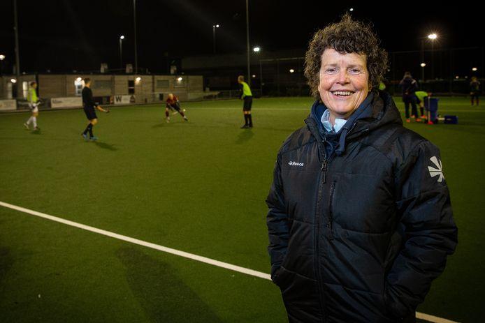 Anita Beecheno, de nieuwe coach van MHC Bemmel: 'Door iets meer structuur aan te brengen in deze groep, moeten we ons zeker veilig kunnen spelen.'