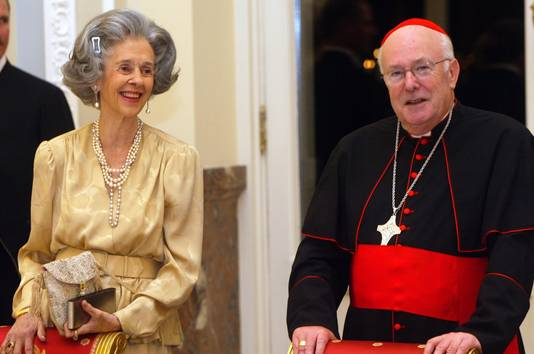 Visite d'état en Belgique du Président de la République italienne Carlo Azeglio Ciampi: dîner de gala au Palais de Bruxelles en présence de la reine Fabiola, en 2002.