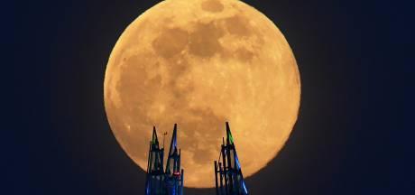 Bruxelles, Rome, Londres: les splendides images de la première super-Lune de 2020