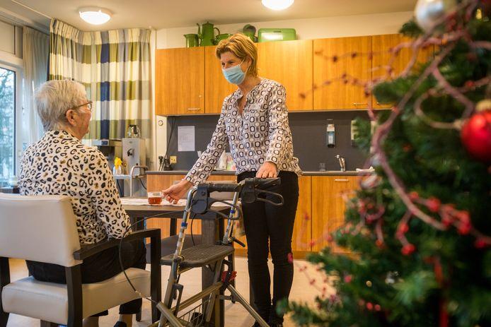 """Ingrid van Lierop, zorgcoördinator in verpleeghuis De Bogen in Valkenswaard: ,,We zaten gevangen. Niemand mocht er in of er uit."""""""