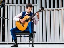 Mathijs (15) wint eerste prijs in belangrijke muziekwedstrijd: 'Zelfs de tijd leek stil te staan'