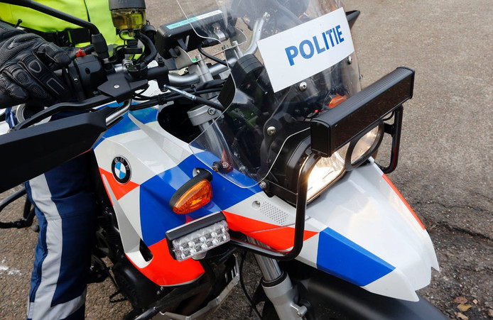 Een politiemotor.