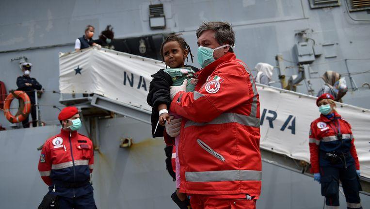 Begin mei werden 358 migranten gered door de Italiaanse marine.