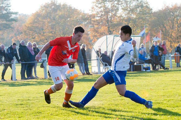 Maurizio Sleurink (rechts) keerde terug naar Zeewolde omdat hij bij Dronten het plezier in voetbal kwijt was geraakt.