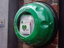 Actie voor aandacht meer aed's in Bernheze werpt zijn vruchten af: gemeente krijgt meer kastjes
