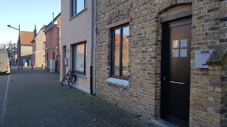 De woning in de Dokter Verhaegestraat waar de ontploffing gebeurde.