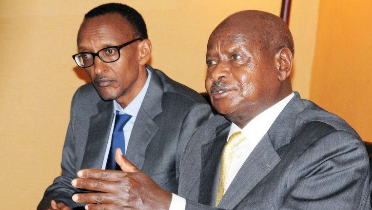 De Rwandese president Paul Kagame (L) Beeld afp