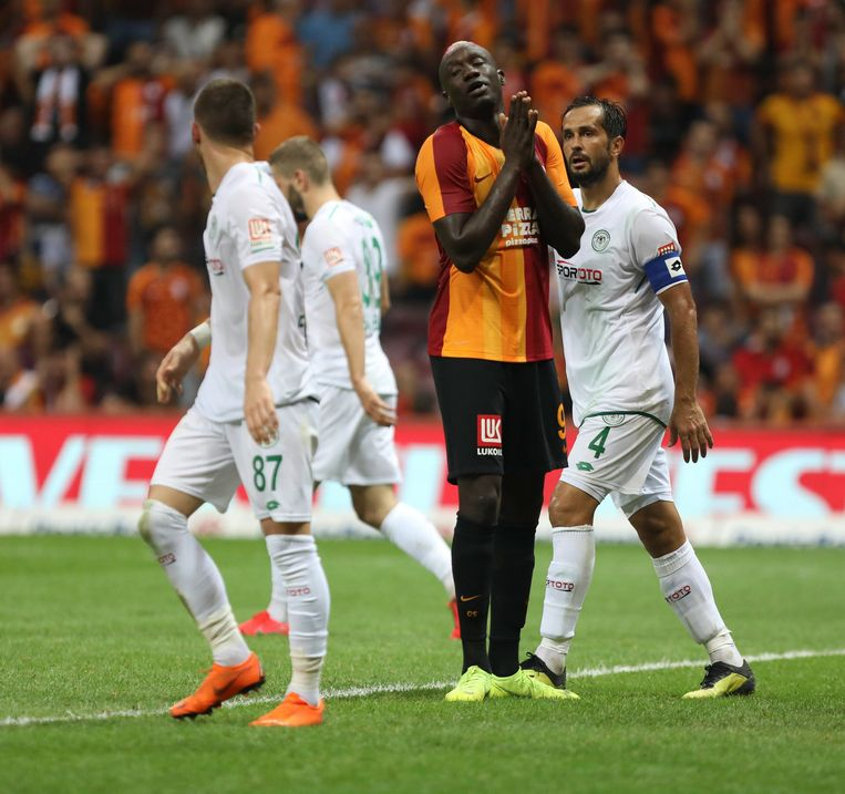 Mbaye Diagne in het shirt van Galatasaray.