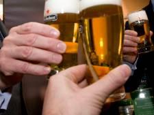 Brugse Bierproevers geven niet op: nieuwe recordpoging 'langste toost'