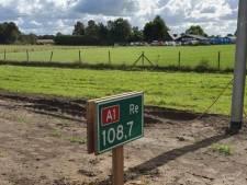 A1 bij Lochem krijgt landelijke primeur van bamboeborden van Rijkswaterstaat