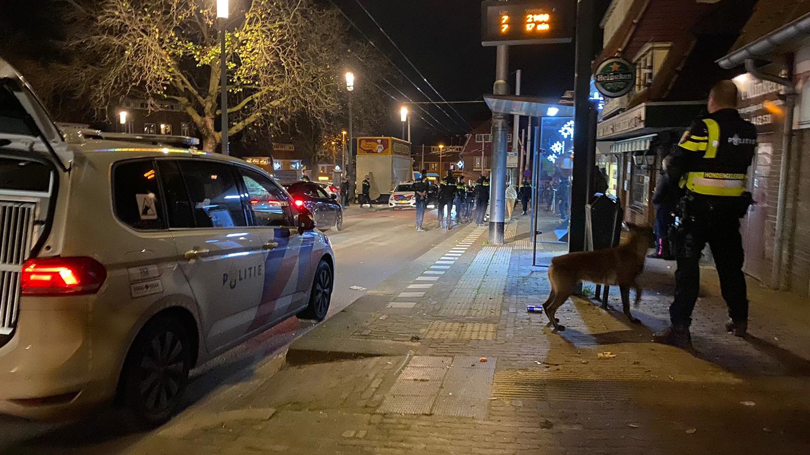 De Arnhemse politie heeft de handen vol aan de onrust in de wijk Geitenkamp, waar avond aan avond sprake is van vuurwerkoverlast.
