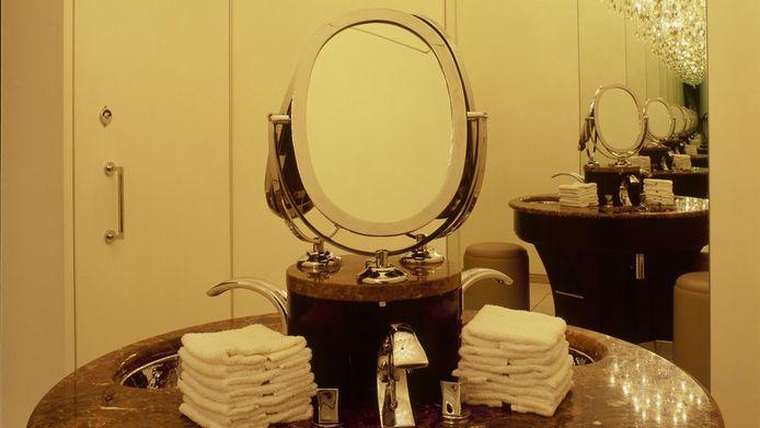 Uit 80 inzendingen kreeg The College Hotel de 'gouden kraan 2013' overhandigd.