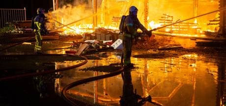 Vuurzee verwoest 'slooploods' in Oldebroek