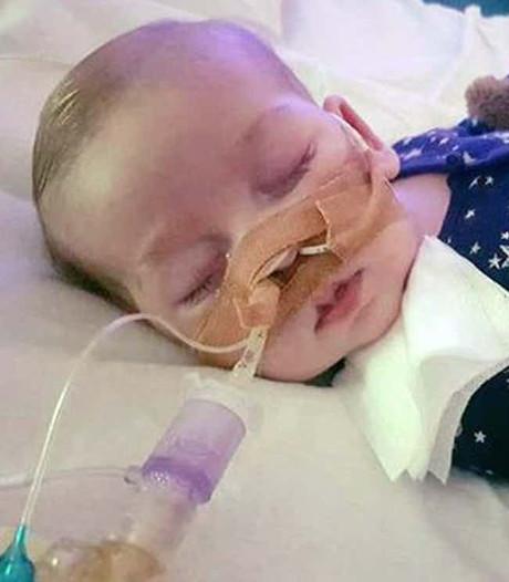 Geen hoop meer voor zieke baby Charlie na definitieve uitspraak