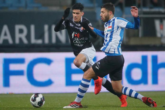 Oussama Bouyaghlafen (links) stond op 25 januari in de verloren uitwedstrijd tegen FC Eindhoven (2-0) voor het laatst in de basis van FC Den Bosch.