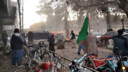 Zelfmoordterrorist doodt acht mensen bij religieuze bijeenkomst in Pakistan