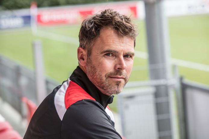Jong PSV-trainer Dennis Haar verzamelde de troepen vanaf donderdag en reist vrijdag met zijn team met een goed gevoel naar Emmen.