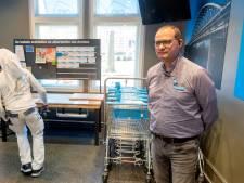 Scholieren slaan laptopje open in kantoor van AH Arnhem: 'Na werk volgen ze digitaal een schoolvak'