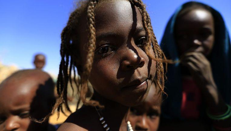 Kinderen arriveren op 4 februari aan een vluchtelingenkamp in Noord-Darfoer, na clashes tussen regeringsmilities en rebellen.