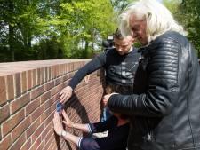 Gedenkteken voor vermoorde Daan (26) uit Enschede op Muur tegen Geweld