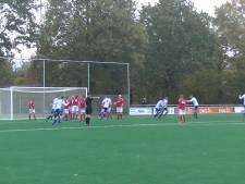 Vloekende fan na goal Diepenheim, jeugdkeeper Berghuizen verricht wereldreddingen