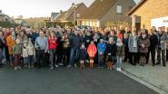 Bewoners Ter Booye heffen samen het glas op het nieuwe jaar