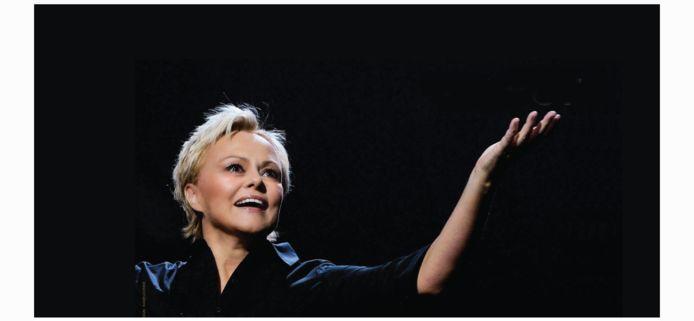 """""""Et pof!"""", Muriel Robin revient sur scène."""