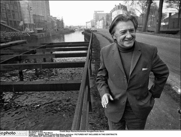 Louis Paul Boon(1912-1979) in zijn geliefde Aalst.