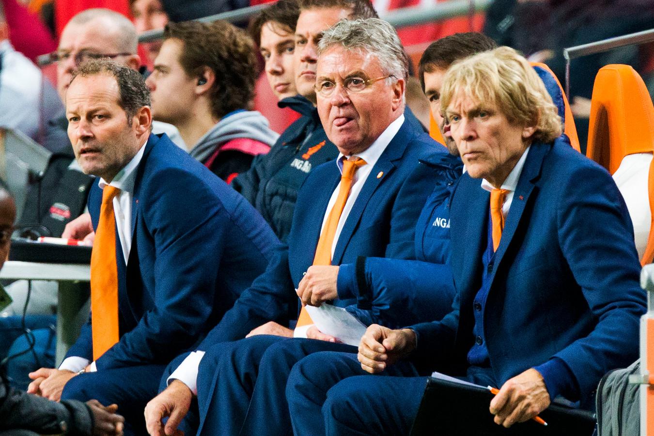Tijdens zijn tweede periode bij Oranje moest Hiddink veel kritiek incasseren.