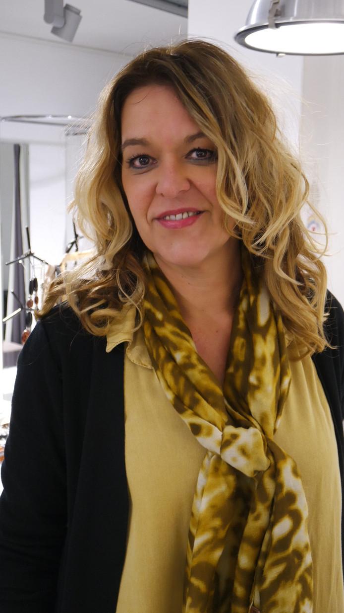 Sandra van Zeeland - Den Brok.