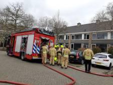 Vier kinderen en hun moeder naar ziekenhuis na keukenbrand in woning Stekelbrem