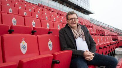 """Radiopresentator Chris Van den Abeele wordt blindencommentator op Royal Antwerp FC: """"Voor blinden telt élk detail, zelfs de kleur van voetbalschoenen"""""""