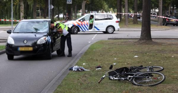 Meisje met spoedtransport naar ziekenhuis na aanrijding in Alblasserdam.