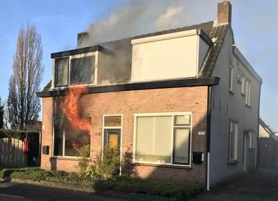 Uitslaande woningbrand in Prinsenbeek, geen gewonden