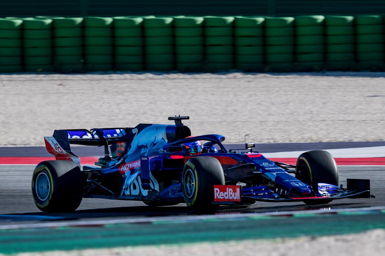 Alexander Albon in de Scuderia Toro Rosso STR14 Honda