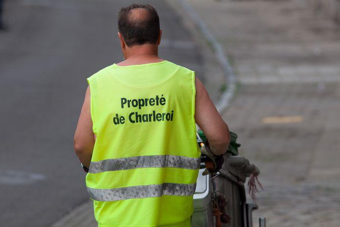 Éboueur au travail pour la propreté de Charleroi