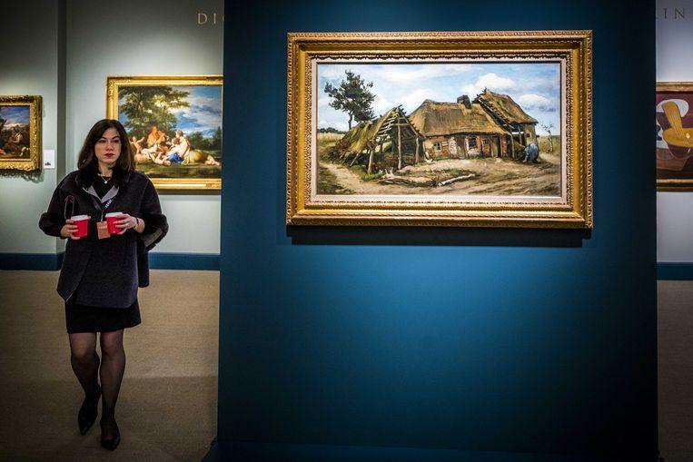 Paysanne devant une Chaumiere (boerin voor een boerderij met rieten dak) van Vincent van Gogh tijdens de voorbezichtiging van de kunstbeurs The European Fine Art Fair Maastricht  Beeld ANP
