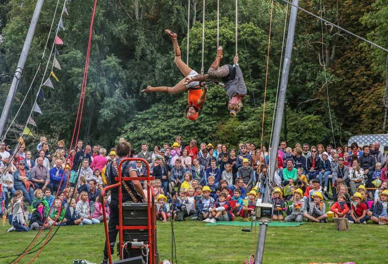 Je bouwt deze keer aan de stad van de toekomst tijdens het internationaal straat- en circustheaterfestival.