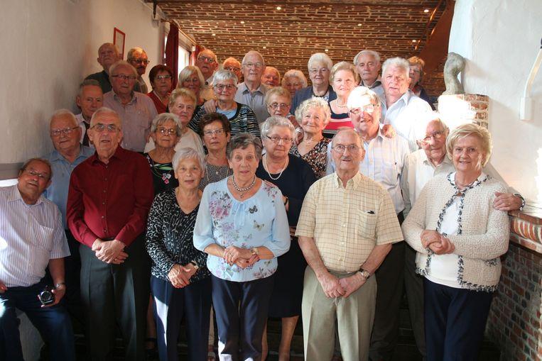 De 80-jarigen tijdens de feestviering