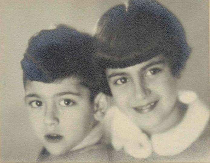 Ernst Verduin met zijn oudere zus Wanda, die als gevolg van een nazi-experiment de Tweede Wereldoorlog niet overleefde.
