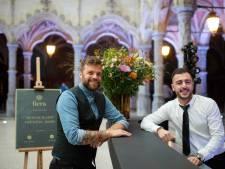 Veel vacatures maar weinig kandidaten: Learning for Life leidt werkzoekenden op tot bartender